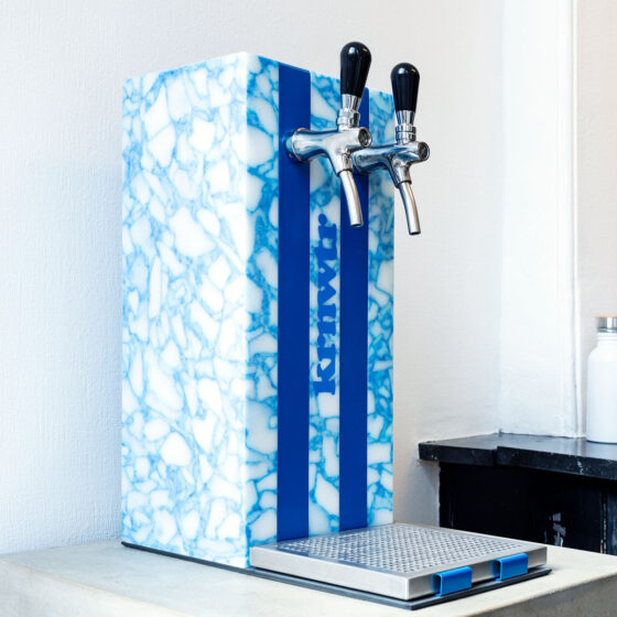 Waterdispenser-Gerecycled-flessen